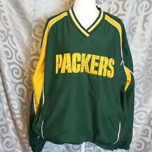 NFL packers pull over jacket.